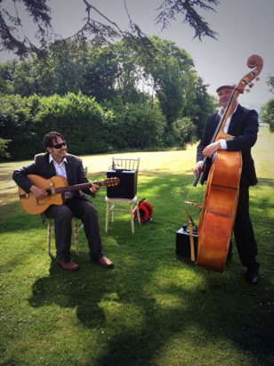 Jonny Hepbir jazz guitar duo