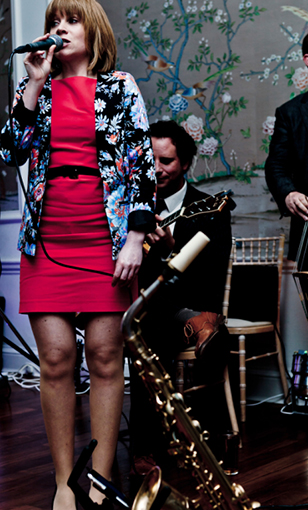 Jazz singer Sara Oschlag with Rockin in Rhythm